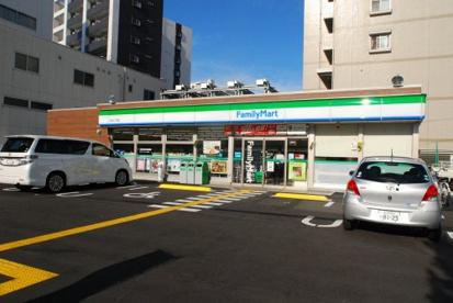 ファミリーマート 桜川二丁目店の画像1