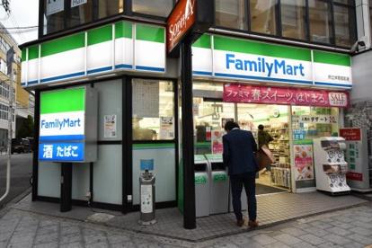 ファミリーマート府立体育館前店の画像1