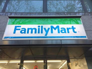 ファミリーマート 大森ベルポート前店の画像1