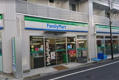 ファミリーマート 丸萬千川駅前店の画像1
