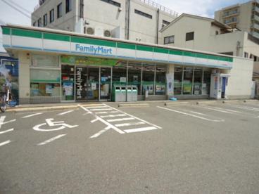 ファミリーマート堺七道東町店の画像1