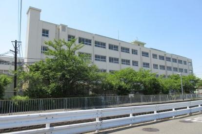 高槻市立柳川小学校の画像1