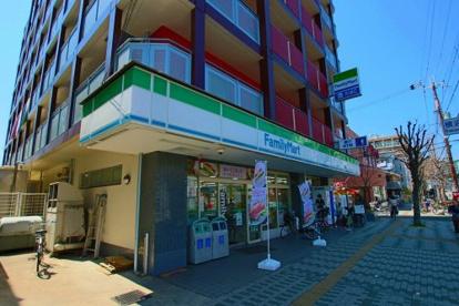 ファミリーマート俊徳道店の画像1