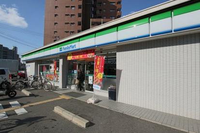 ファミリーマート本庄西一丁目店の画像1