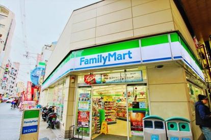 ファミリーマート布施足代北店の画像1