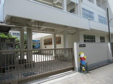 東大阪市立長瀬北小学校の画像1