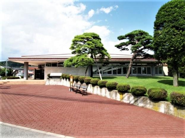 軽井沢町役場の画像
