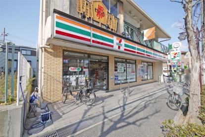 セブンイレブン 芦屋東山町店の画像1