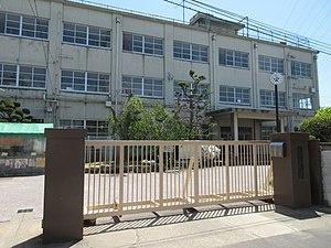 高槻市立大冠小学校の画像1