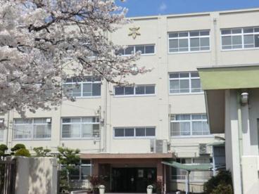 高槻市立第七中学校の画像1