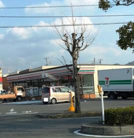 セブン-イレブン和歌山塩屋1丁目店の画像1