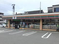 セブン-イレブン 札幌平岸1条環状通店の画像1