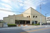 坂戸市中央図書館
