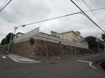 神戸市立中学校 上野中学校の画像1