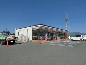 セブンイレブン 鈴鹿伊船町店の画像1