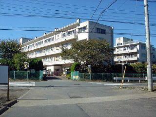 北本市立栄小学校の画像1