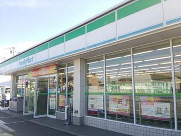 ファミリーマート橿原小綱町店の画像1