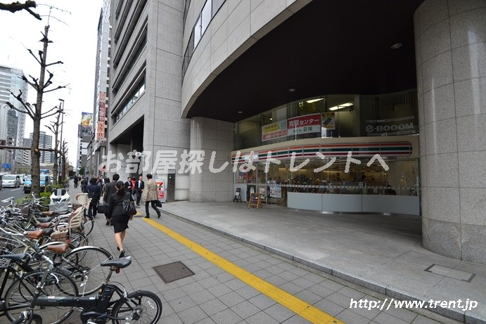 セブンイレブン 西新宿新和ビル店の画像