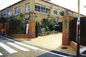 京都市立朱雀第四小学校の画像1
