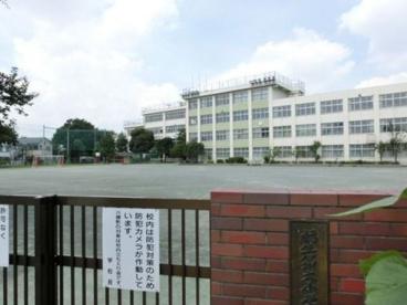 福生市立第六小学校の画像1