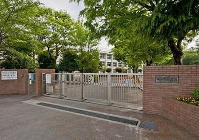 福生市立第一中学校の画像1