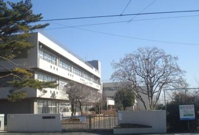 青梅市立霞台小学校の画像1
