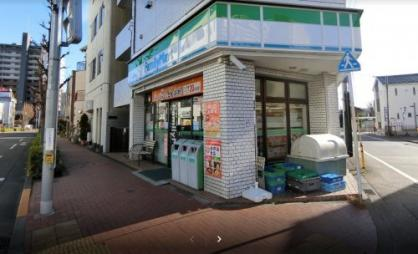 ファミリーマート東青梅駅前店の画像1