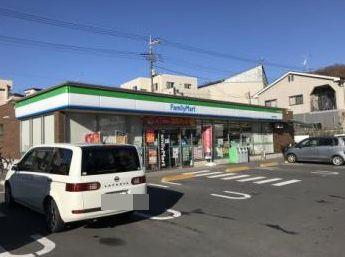 ファミリーマート青梅成木街道店の画像1