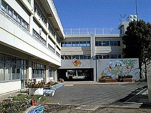 調布市立 柏野小学校の画像1