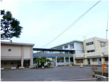 茅ヶ崎小学校の画像1
