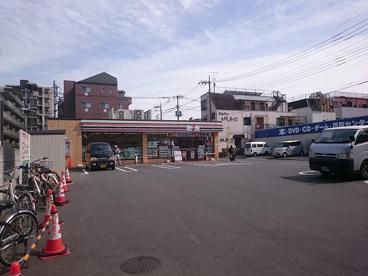 セブンイレブン 八王子図書館前店の画像1