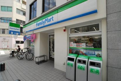 ファミリーマート南船場四丁目店の画像1