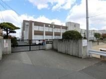 白鳳中学校