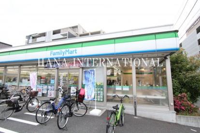 ファミリーマート西新井三丁目店の画像1