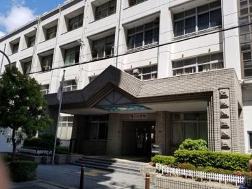 大阪市立滝川小学校の画像2