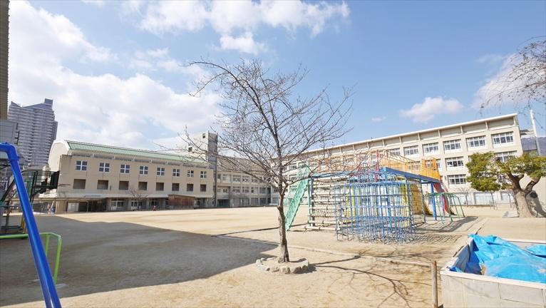 成徳小学校。の画像