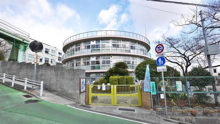 美野丘小学校。の画像