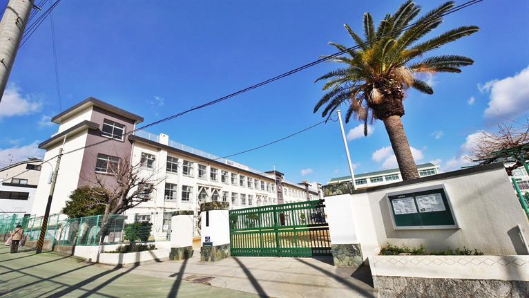 原田中学校。の画像