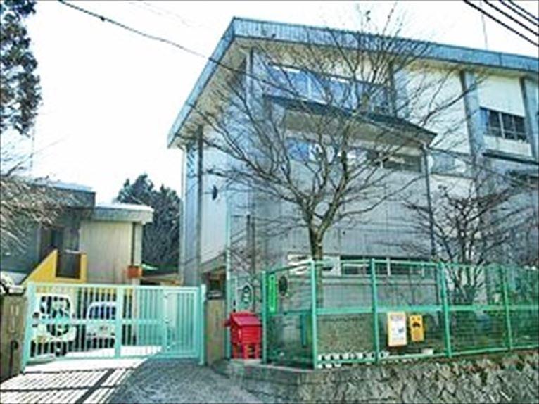 六甲山小学校。の画像