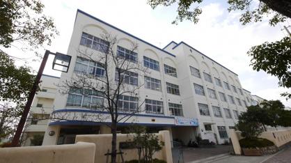 本山中学校。の画像3