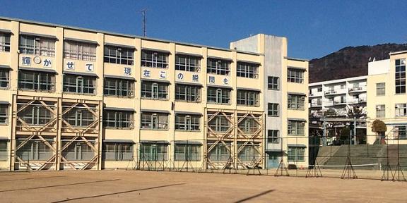 住吉中学校。の画像
