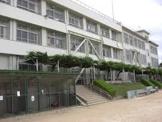 霞ケ丘小学校。