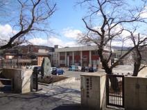 維孝館中学校