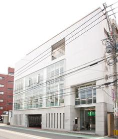 吉川歯科医院【四ツ橋駅より徒歩2分】の画像1