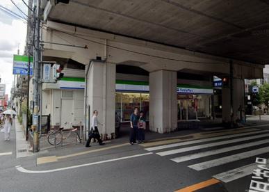 ファミリーマート本八幡駅西店の画像1