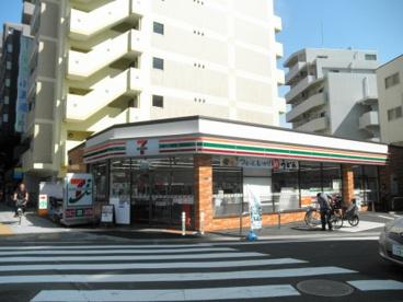 セブン‐イレブン 川崎貝塚2丁目店の画像1