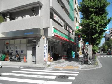 ローソンストア100 川崎新川通店の画像1