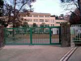 神戸市立小部小学校。