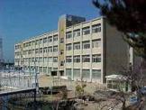 神戸市立広陵小学校。