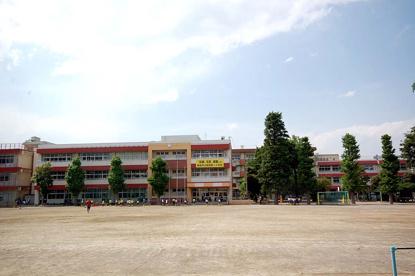 朝霞市立朝霞第一小学校の画像1